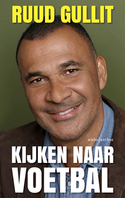 Ruud Gullit wordt geïnterviewd en signeert aansluitend zijn boek